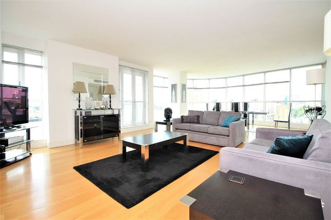 Thumbnail Flat to rent in Blegrave Court, Westferry Circus, Canary Wharf
