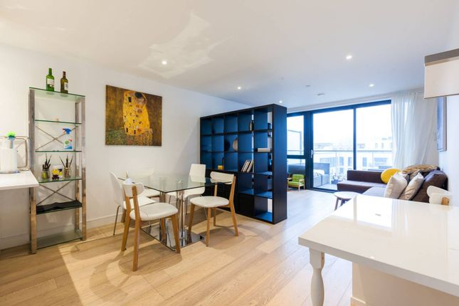 3 bed flat for sale in Commercial Street, Aldgate, London E1