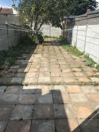 Thumbnail Terraced house to rent in Byron Avenue, East Ham