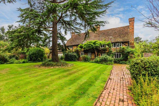 Thumbnail Detached house for sale in Red Lane, Oxted