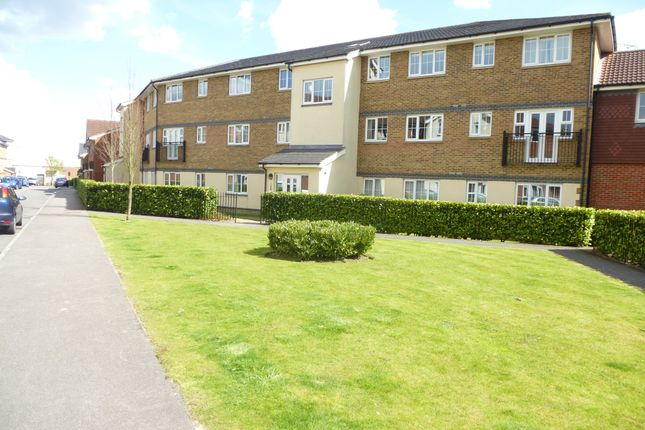 Thumbnail Flat to rent in Kiln Way, Dunstable, Bedfordshire