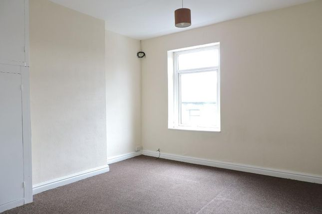 Bedroom of Snape Hill Road, Barnsley, South Yorkshire S73