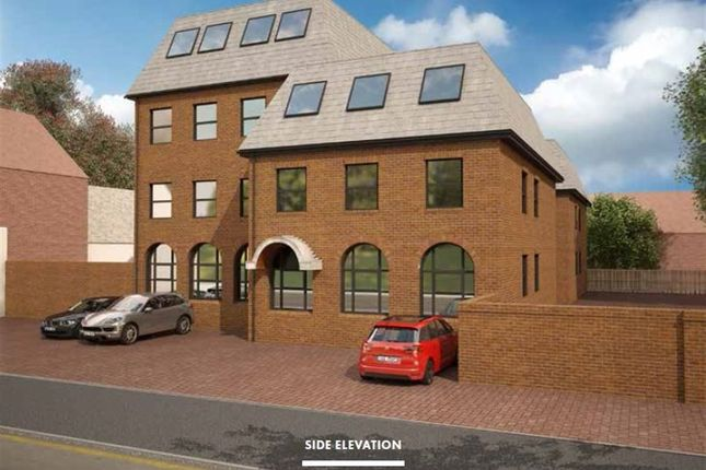 Thumbnail Flat to rent in Icknield House, West Street, Dunstable