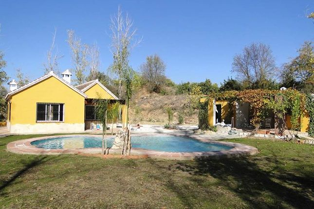 2 bed property for sale in Alhaurin El Grande, Malaga, Spain