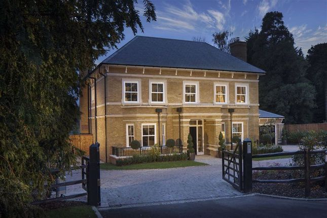 Thumbnail Detached house for sale in Imperial Grove, Hadley Wood, Herts
