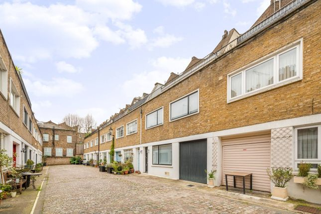 Thumbnail Property for sale in Queens Mews, Bayswater, London