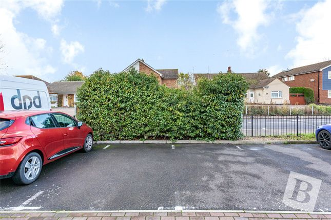 Picture No. 02 of Cypress Close, Laindon, Basildon SS15