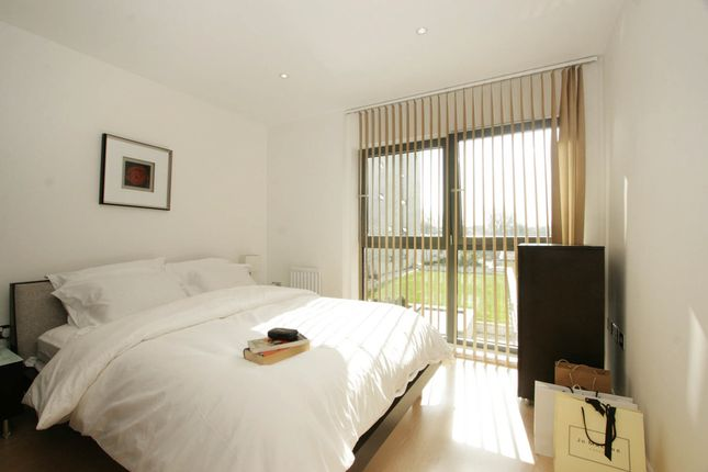 Thumbnail Property for sale in Oval Road, London