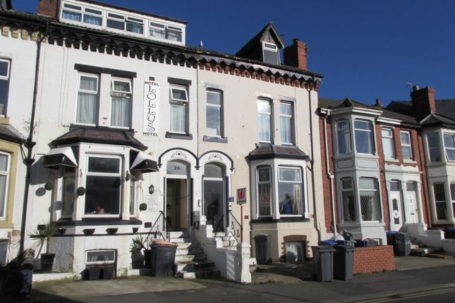 Thumbnail Maisonette to rent in Regent Street, Blackpool