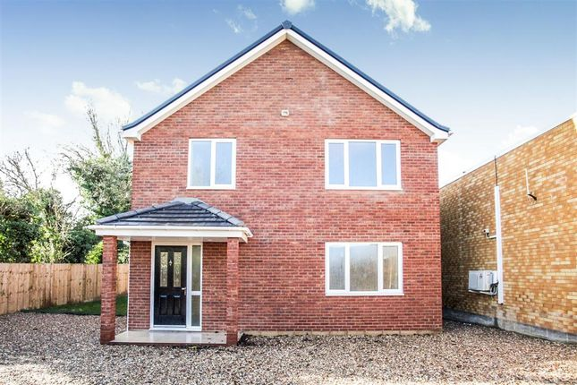 Thumbnail Detached house for sale in Westfield Road, Dunstable