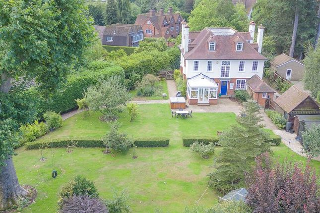 Thumbnail Detached house for sale in Yewlands, Hoddesdon