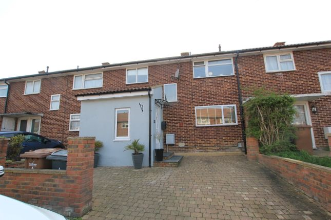3 bed terraced house to rent in The Hornbeams, Stevenage SG2