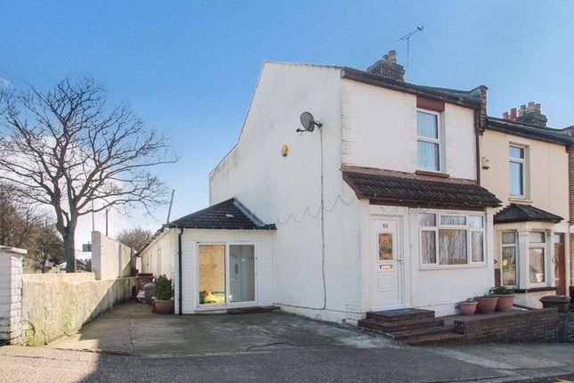 Thumbnail Terraced house for sale in Onslow Road, Rochester