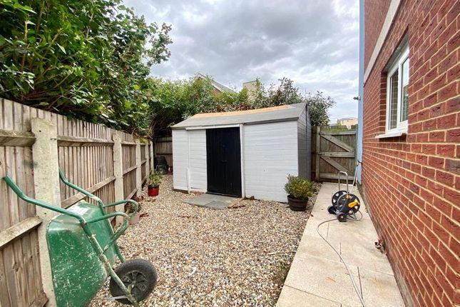 Picture No. 13 of Lister Drive, Northfleet, Kent DA11