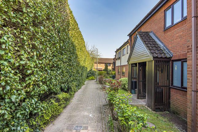 Thumbnail Flat for sale in Downley, High Wycombe