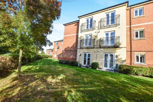 Thumbnail Flat for sale in Beeston Courts, Laindon, Basildon
