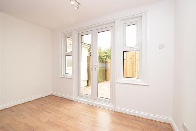 Thumbnail Flat for sale in West Street, Southgate, Crawley, West Sussex