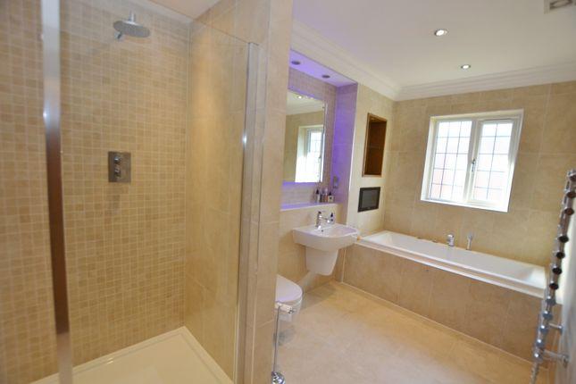 Family Bathroom of Park Lane, Sandbach CW11