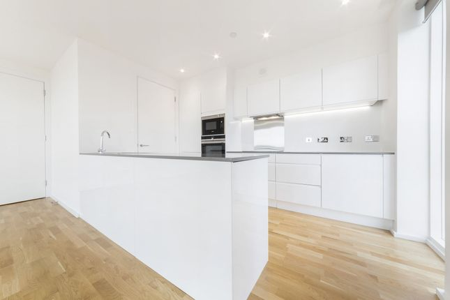 Thumbnail Flat to rent in Crudwell Court, 45 Millharbour, Canary Wharf, London
