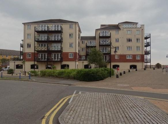 2 bed flat to rent in Macquarie Quay, Sovereign Harbour BN23