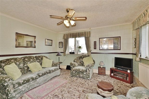 Lounge of Penwortham Hall Gardens, Preston PR1