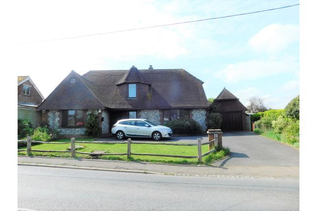 Thumbnail Detached house for sale in Hawks Road, Hailsham