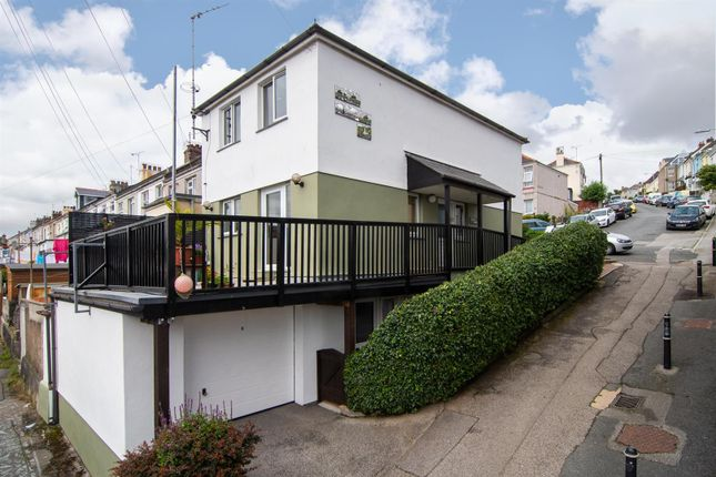 Thumbnail Detached house for sale in Berkeley Hill, Falmouth