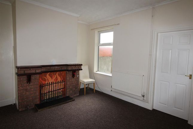 Dining Room of 217 Heneage Road, Grimsby, N E Lincolnshire DN32