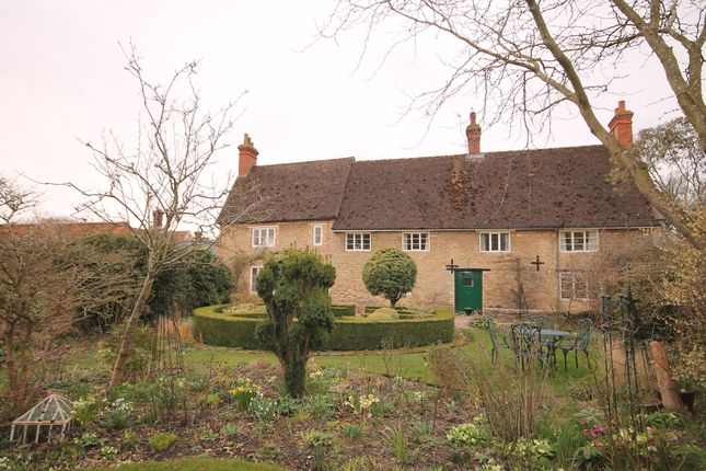 Thumbnail Detached house for sale in High Street, Pavenham