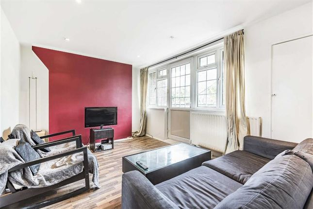 Thumbnail Flat for sale in Reardon Street, London