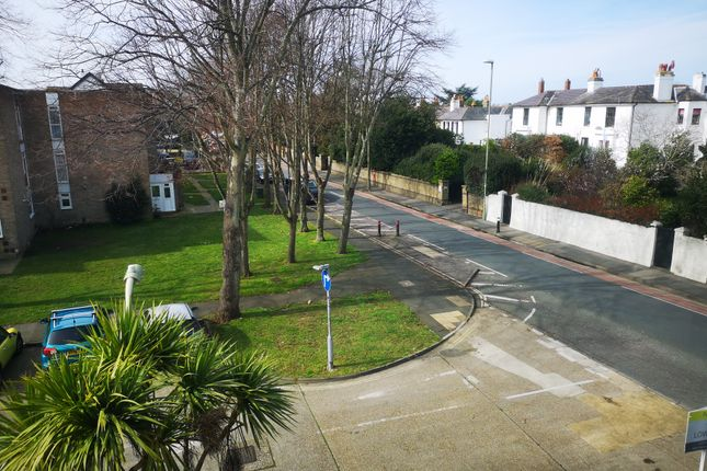 Great View of Ash Close, Gosport PO12