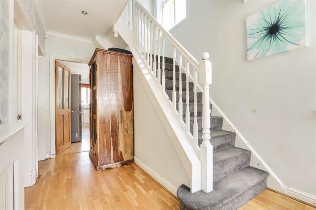 18445 of Kingswell Road, Arnold, Nottinghamshire NG5