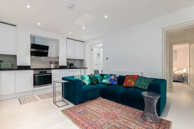 3 bed flat to rent in Edith Grove, London SW10