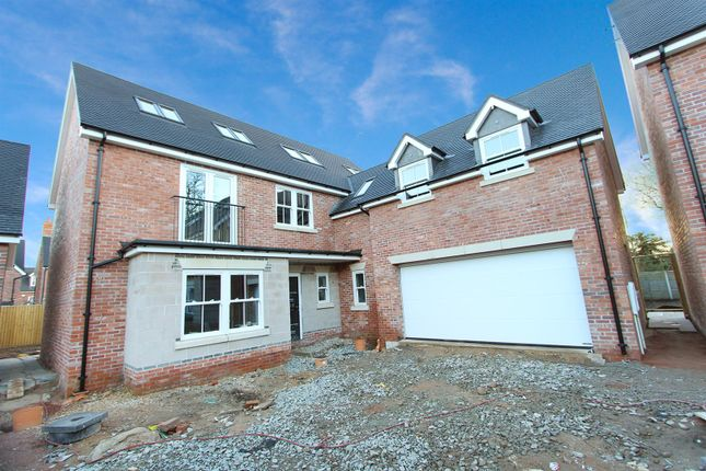 Thumbnail Detached house for sale in Willow Lane, Rugby