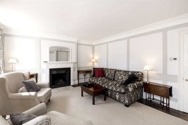 2 bed flat for sale in Albany Street, London
