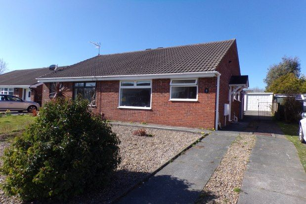 2 bed semi-detached bungalow to rent in Dunoon Close, Preston PR2