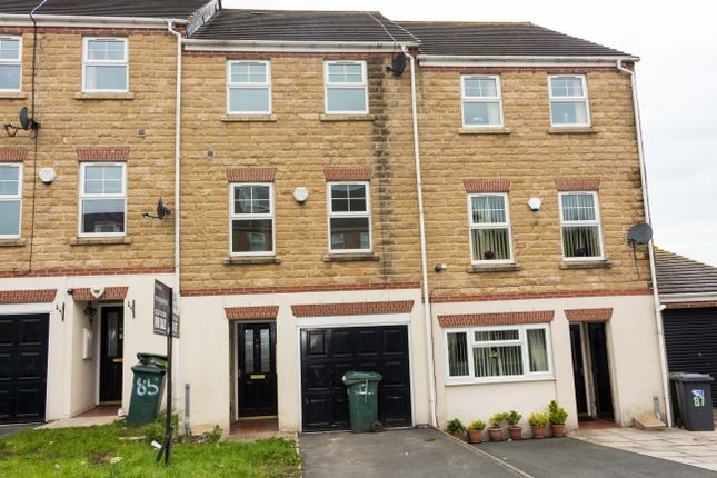 Thumbnail Town house for sale in Tanner Hill Road, Bradford