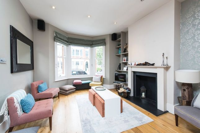 4 bed terraced house for sale in Calbourne Road, London