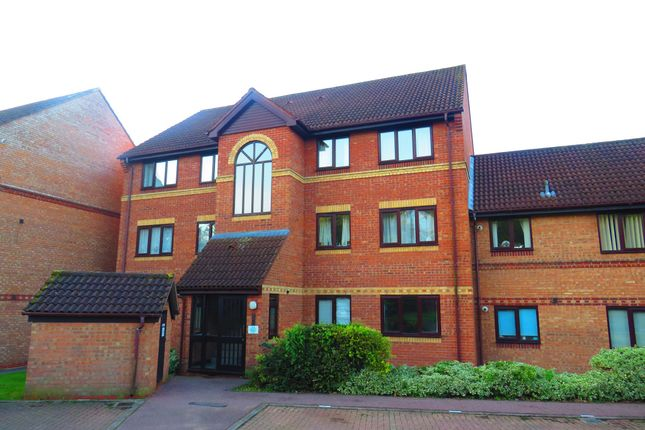 Thumbnail Flat for sale in Scott Road, Norwich