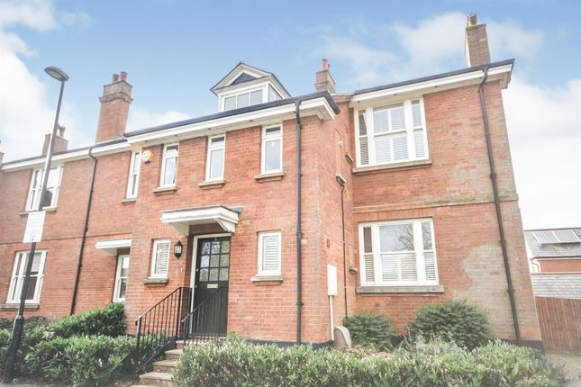 Thumbnail End terrace house for sale in Greenwich Avenue, Brentwood