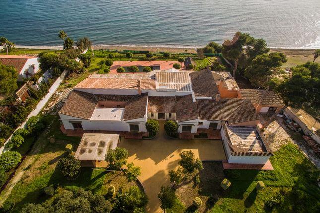 Thumbnail Villa for sale in Benamara, Estepona, Malaga