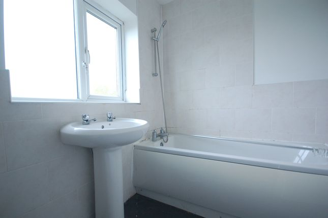 Bathroom of Birkdale Avenue, St. Annes, Lytham St. Annes FY8