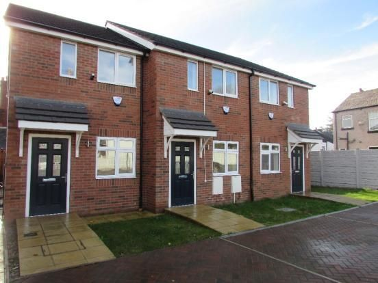 Thumbnail Town house to rent in Scott Street, Leigh