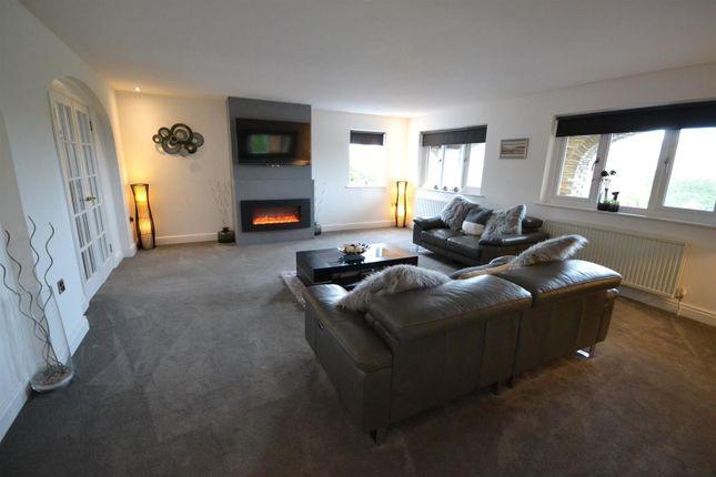 Lounge of Pentlepoir, Saundersfoot SA69