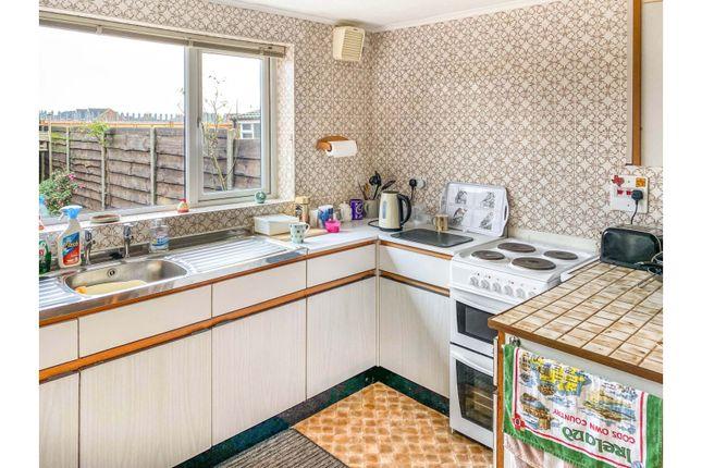 Kitchen of Cedar Way, Wellingborough NN8