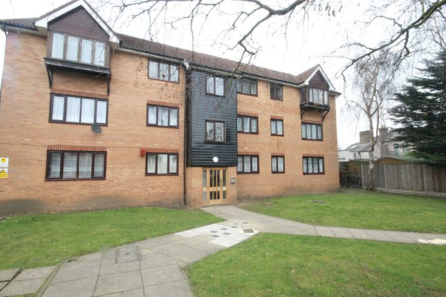 Thumbnail Flat for sale in King Henrys Mews, Enfield