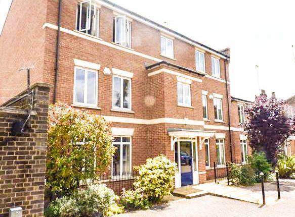 Thumbnail Flat to rent in Macleod Street, London