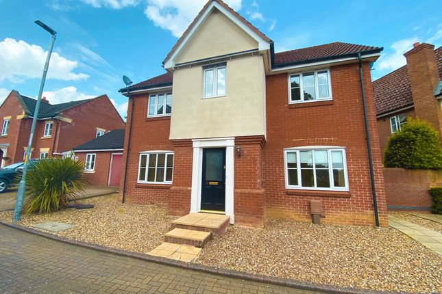 4 bed detached house for sale in Greenfield Way, Long Stratton, Norwich NR15