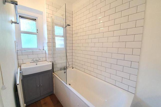 Bathroom of Kennington Oval, London SE11
