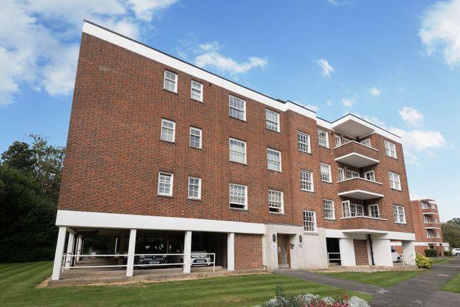 Thumbnail Flat to rent in Bulstrode Court, Gerrards Cross
